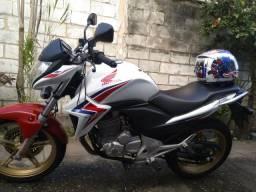 CB 300 Tricolor 2015 - 2015