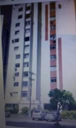 Apartamento com dois quartos, em localização privilegiada no Imbuí