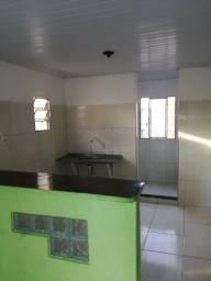 Aluga-se casas de 1/4 & 2/4 em cajazeiras Fazenda Grande 2 zap 98733/7249 ou 3395/3648