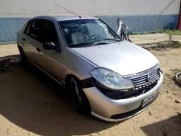 Renault Symbol. Ótimo para retirada de peças - 2009