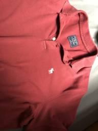 Camisa Abercrombie TAM G. cor vinho