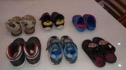 Roupas e sapatos meninos