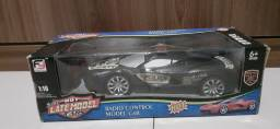 Carro com controle remoto (HOT LATE MODEL CARS)