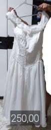 Vendo vestidos de noiva e daminha