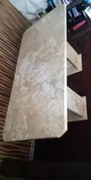 Mesa em mármore bege Bahia