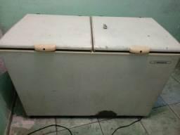 Vendo um freezer
