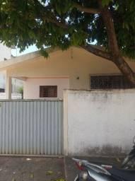 Vende-se excelente casa no centro de Sapé
