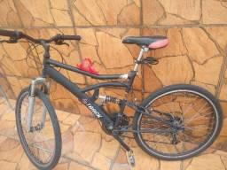Bicicleta aro 26 com relação e marchas Shimano
