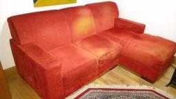 Sofá com chaise embutida fixa