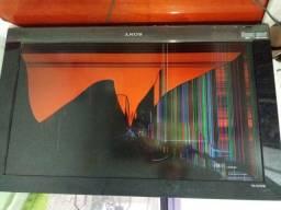 TV Sony Bravia Display trincado