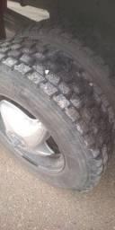 Pneu para caminhão 3 pneu por R$:1.100