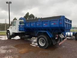 Caminhão Caçamba 4x2 2001