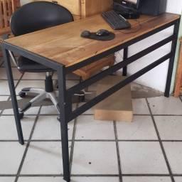 Escrivaninha de Demolição Com Pé de Ferro Com Pintura Eletrostática