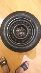 Imperdivel Pneu Pirelli novo com Roda 14/175/65