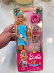 Barbie com pet e acessórios - dia de spa