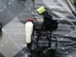 Máquina de cortar cabelo wahl.