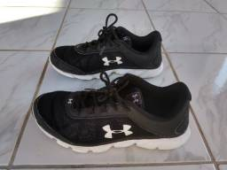 Vendo Tênis Masculino Marca Under Armour Preto/Branco