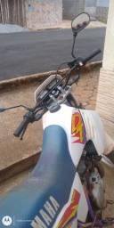 Moto DT 200
