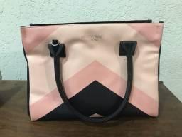 Bolsa Mary Kay bem conservada