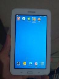 Vendo 1 lindo tablete  da Samsung..e troco em celular