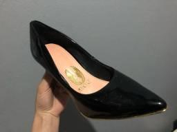 (Novo) Sapato bico fino 33