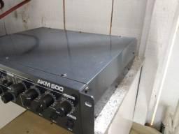 Amplificador profissional AKM500