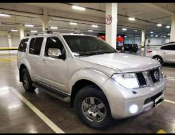 SUV NISSAN PATFHINDER LE