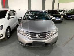 Honda City 2013 1.5 completo automático com bancos de couro