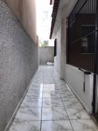 Alugo Casa com Garagem no Bairro Santa Mônica - Colatina