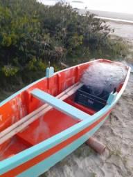 Barco Kaiko semi novo   madeira naval