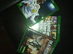 Xbox one com controle na caixa + 3 jogos