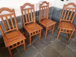 Cadeiras de cerejeira
