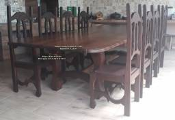 Mesa de madeira maciça em Imbuia