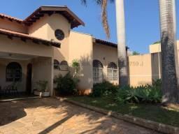 Casa à venda, 3 quartos, 1 suíte, 4 vagas, Cabreúva - Campo Grande/MS