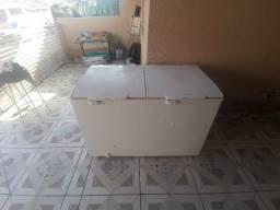 Vendo Freezer Electrolux 440L