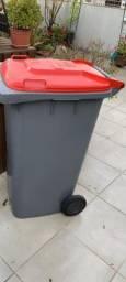 Lixo plástico 240 litros