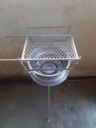 Kit churrasqueira com grelha  160 reais última unidade