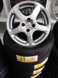 Rodas aro 15 com pneus.