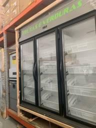 ]{} Fruteira refrigerada capacidade 12 caixas