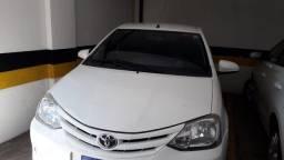 Título do anúncio: etios sedan 14.15 carro de mulher do interior.