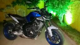 Moto mt 09 ,potencia 900 cilindrada repasse