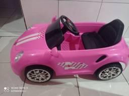 Carro elétrico semi-novo