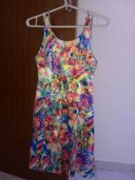 Vendo um vestido de cetim com Lycra