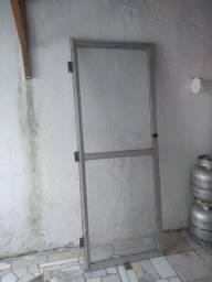 Porta de vidro e alumínio R$100,00