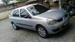 Renault clio sedã