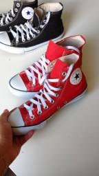2 All Star (um par vermelho e um par preto)