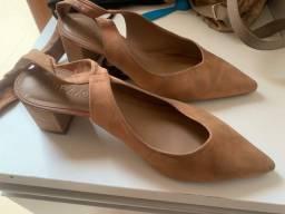Sapato Arezzo tamanho 37