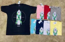 Camisas e bonés