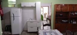 Casa mobiliada 02 quartos com garagem