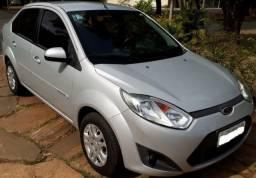 Ford Fiesta 2012 / 2013, 1.6, único dono completo + banco de couro, reboque, sensor de ré - 2013